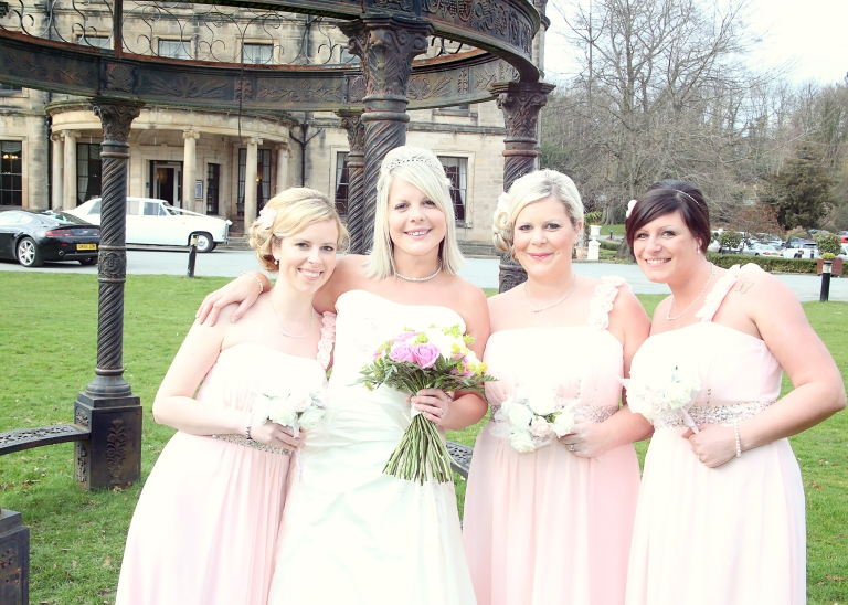 Paul McHutcheon, Laura Guthziet, Pretty in Pink, Bridesmaids, Bride and her maids, Pearman Photography, floaty dresses