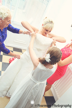 Putting on the Gown, Lisa Fay, Richard Johnson, Pearman Photography, Wedding, Jesmond