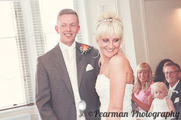 Over the shoulder, Giggle, Vows, Documentage, Lisa Fay, Richard Johnson, Pearman Photography, Wedding, Jesmond