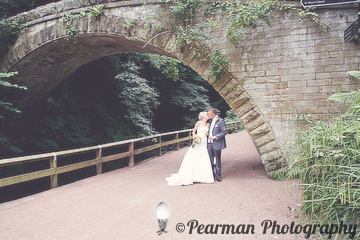 Married Portrait, Bridge, Jesmond Dene, Bride & Groom, Lisa Fay, Richard Johnson, Pearman Photography, Wedding, Jesmond