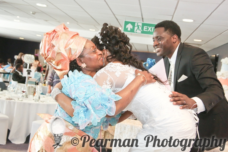 Pearman Photography, Wedding Photography, African Wedding, Ijeoma, Udu Odah, Kingston Park Rugby Club, Guests, Giving Gifts