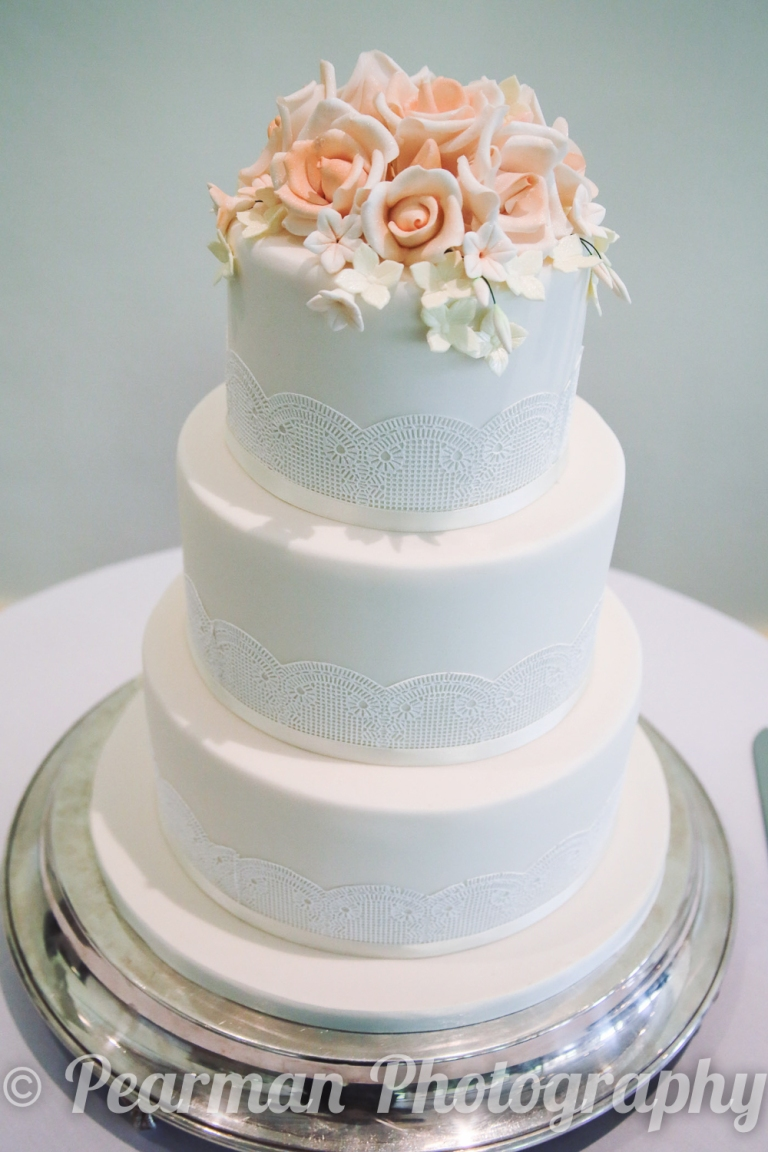 Circular White Wedding Cake with 3 tiers